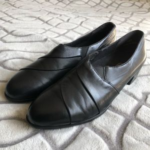 Munro American Black Leather Pumps Comfort shoes